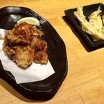 北海道食市場丸海屋 - 若鶏のザンギ 580円(税別)・ごぼうの唐揚げ 380円(税別)