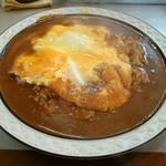 カレーショップキング - オムカレー (辛口、大盛り)