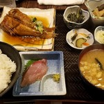 蔵八 - 日替わり定食(キンキの煮付け定食)