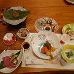 谷旅館 - 料理写真:夕食の始まり