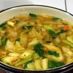 かんてんぱぱカフェ - おやきスープセット670円 選べる3種スープ(和風・カレー・担々)からカレー こっくり濃いめ。寒天の麺の歯ごたえが意外とあってしっかり美味しかったです。