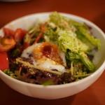 キッチンポット - 温玉のせ野菜サラダ