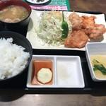 三木サービスエリア(下り線) フードコート - 唐揚げ定食