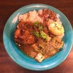 キッチン アンド カリー - 料理写真:カレー3種盛り ゴーヤチャンプル風カレー キウイとスペアリブのカレー 桃のキーマ