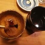 中俣酒造 茂助 - サービスのわらび餅とお茶
