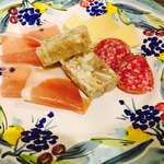タベルナ・チェルヴィーノ - パテ、生ハム、サラミ、チーズ⭐︎ このお皿だけで、飲める飲める❗️