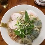 広州市場 - 冷やし鶏塩ワンタン麺的な限定メニュー