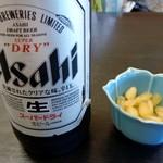 90746645 - ビールと塩ラッキョウ