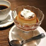KANAME - ハーブ玉子の濃厚プリン(600円)/ コーヒー(580円)