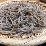 蕎麦 ひびき庵 - 粗挽きせいろのアップです。