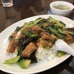 香蘭 - 料理写真:牛バラ肉かけご飯800円の大盛り+150円です。肉が柔らかくてサイコー!!