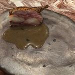 Libre - ウズラのファルシ 車海老と豚肉詰め ウズラのジュとパクチーのソース