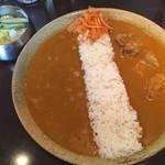 けらら - ダブルセット(チキン、ひよこ豆の辛いカレー)