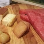 旬菜食健 ひな野 - スイカ~ (^o^) チーズスフレもフィナンシェも美味しい♪