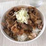 拉麺 しのざき - 煮豚丼。
