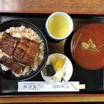 90772655 - うなぎ丼(並:4切れ)¥2,150+大盛¥70