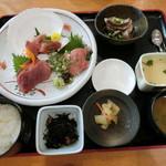 グルメ館 豊魚 - 「まぐろきっぷ」で「7.三崎鮪定食」