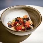 INUA - ☆赤いフルーツと蜜蝋のジュース