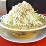 豚男 -BUTAMEN- - 小ラーメン150g 野菜多め、ニンニク無、脂多め 730円