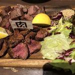 90781083 - 牛もも肉・ハラミのタンドールロースト盛り合わせ