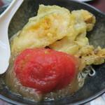生涯青春の湯 つるつる温泉 お食事処 - おひさまトマトの冷しそば760円也