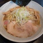 麺屋 遊助 - '18/08/12 豚骨中華(税込800円)+中盛(税込100円)