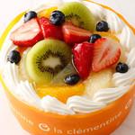 ラ・クレマンティーヌ - 料理写真:純生ショート★デコレーションは季節により異なります。