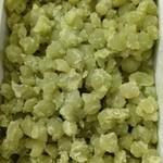 90788823 - びっしり入った鮮やかなグリーンのふうき豆。