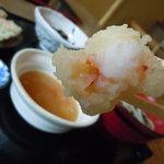 麺料理 ひら川 - 海老は小振りだがプリプリ