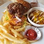 3000日かけて完成した極上ハンバーガー Field - 肉汁溢れる極上肉ソースバーガー