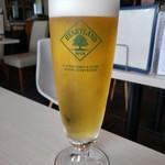 3000日かけて完成した極上ハンバーガー Field - 生ビール(ハートランド)