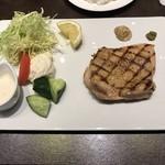 レストラン HUSHHUSH -