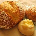 アンリエット - 料理写真:カンパーニュ・クルミマロン・ハイジのチーズ
