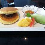 けやきの杜 宮城県図書館店 - あんこ入りホットケーキ