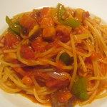9081669 - ベーコンと万願寺とうがらしのトマトソース スパゲッティ