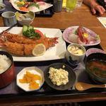 魚料理 一心 - ジャンボ海老フライと刺身の定食 2400円