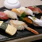 まぐろと魚貝とうまい酒 成増 寿し常 エキア成増店 - おまかせ9貫