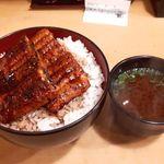 90812816 - うな丼ダブル 1000円税込 ご飯大盛り無料 赤だし無料券を使用。