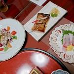 割烹食堂 伊豆菊 -