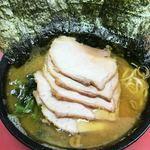 杉田家 - 鶏油たっぷりな色合い!