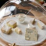 ダイニングアンドバー テーブル ナイン トウキョウ - チーズ盛り合せ