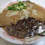 90825705 - ワンタン麺550円