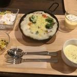 レストプラス ドッグラン&カフェ - セット。写真はカレードリアのセット。