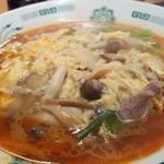 日高屋 - 酸辣きのこ湯麺610円