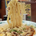 日高屋 - 酸辣きのこ湯麺610円麺アップ