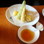 蕎麦切り 旗幟 - 夏野菜の天ぷら770円