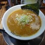 麺屋 幡 - 料理写真:らーめん700円(並盛り、中盛り同一価格ですがこれは並)