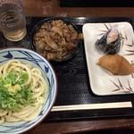 丸亀製麺 - お握り等取って葱と生姜をトッピング