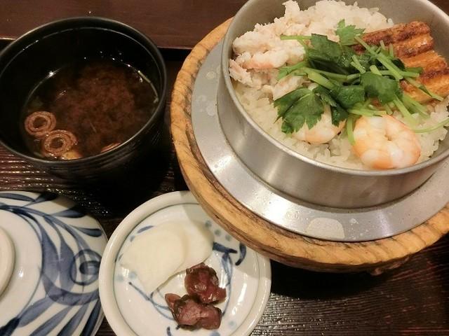 志津香 釜飯