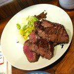 牛たん炭焼 利久 松島店 - 牛たん極定食牛たんアップ